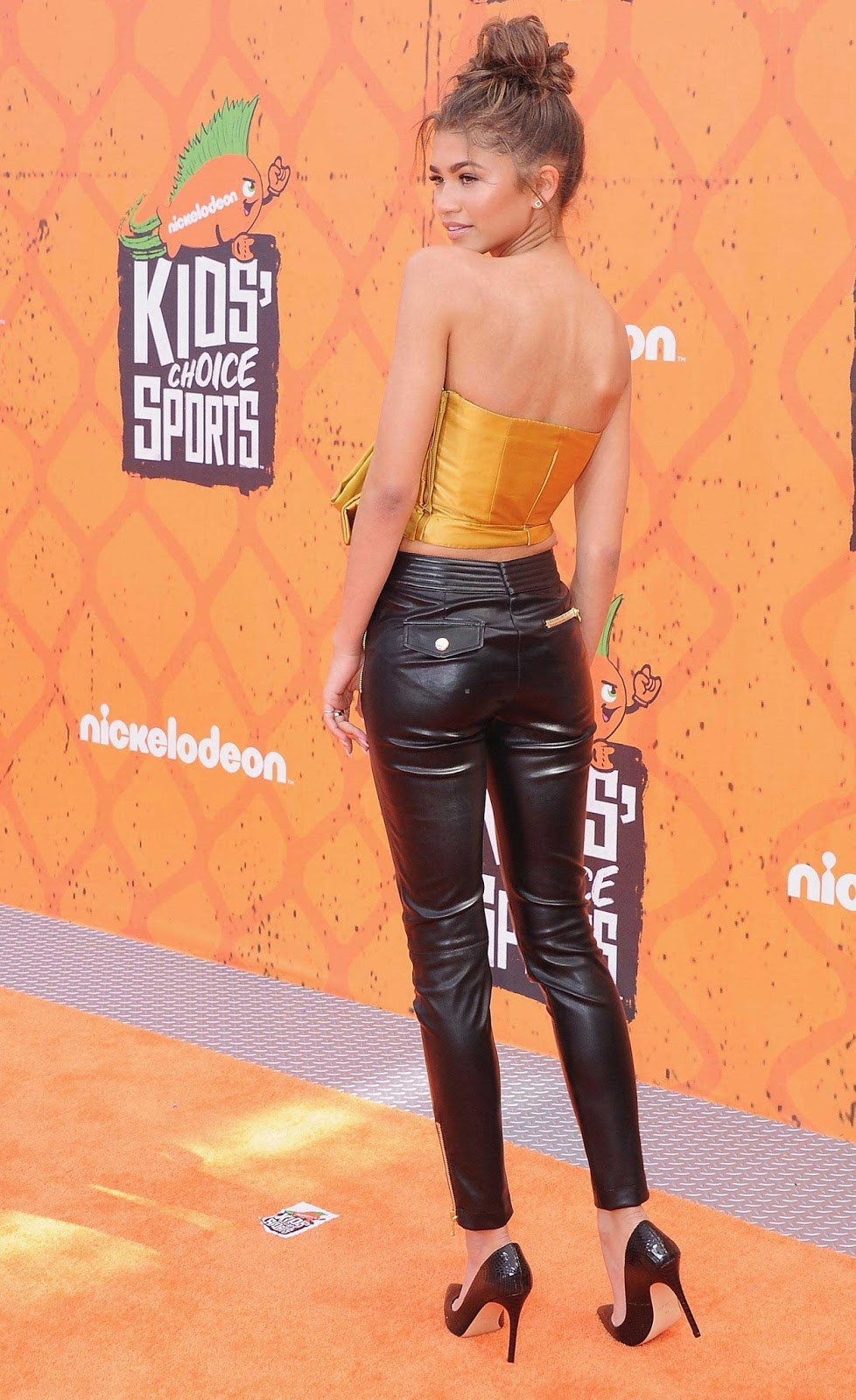 Lovely Ladies in Leather: Zendaya Coleman in leather pants