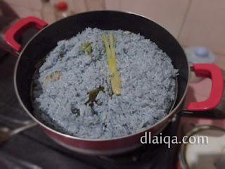 proses mengukus nasi