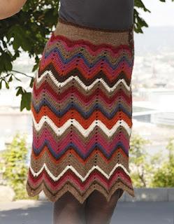 yubka-s-raznocvetnymi-zigzagami