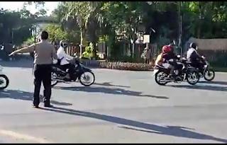 seberangkan-bebek-polisi