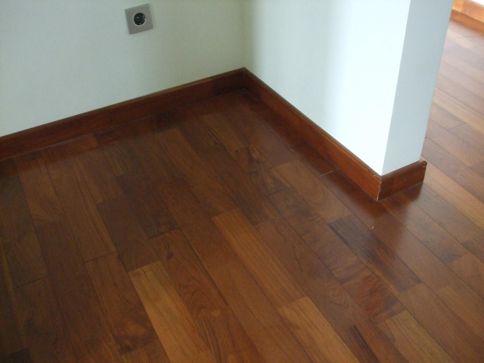 harga lantai keramik motif kayu