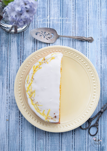 Lemon Moon Cake
