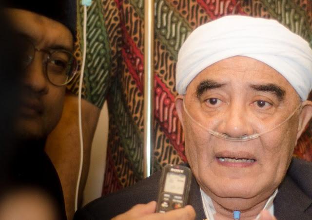 KH Muhammad Maksum Bondowoso Meninggal Dunia