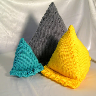 pyramid pillow to hold electronic devices
