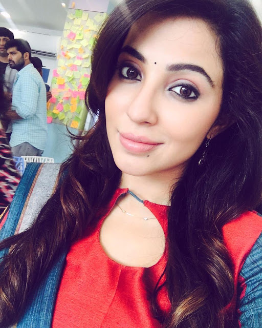Actress Parvathy Nair Latest HD Photos 2016