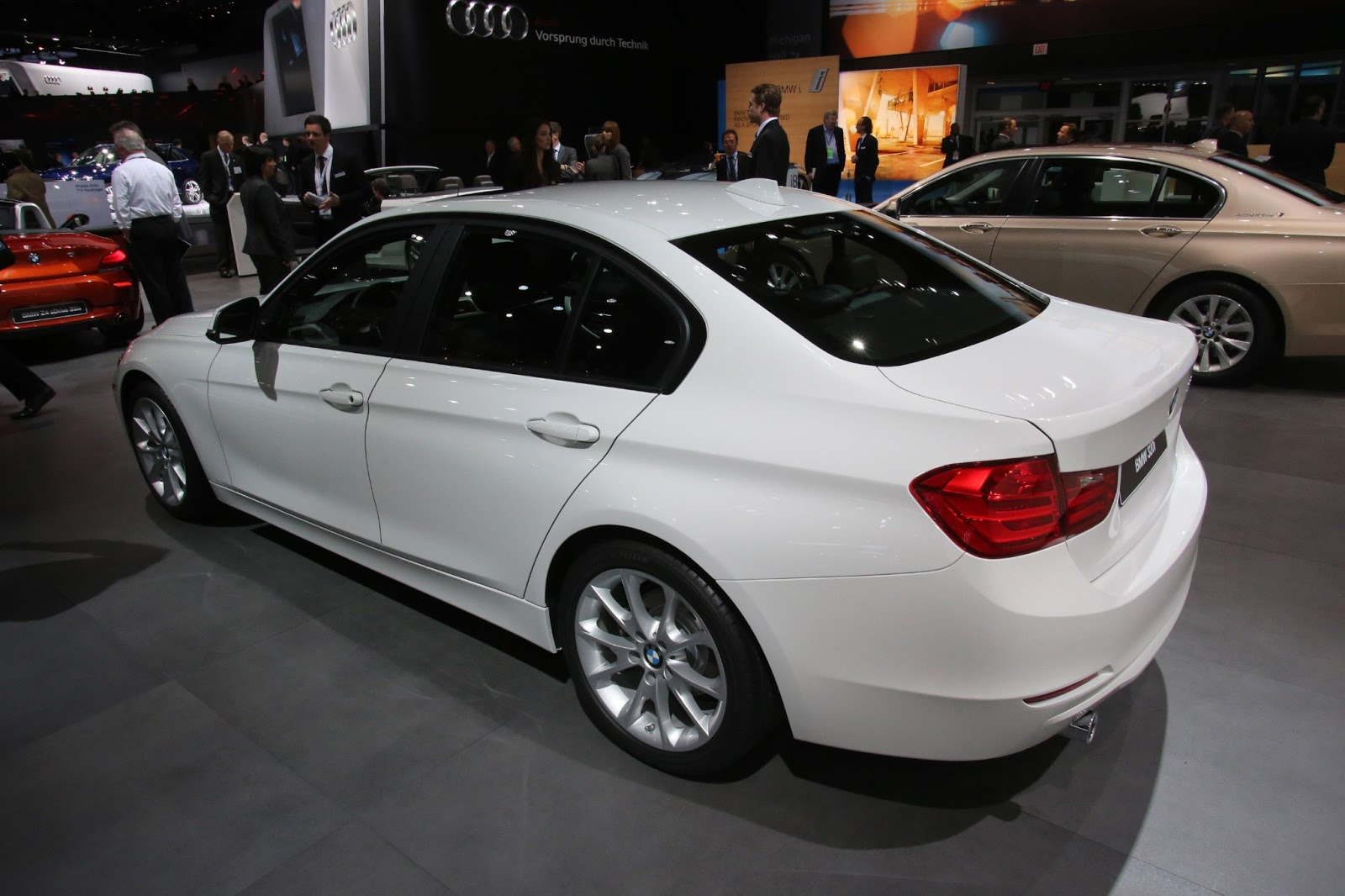 Cars GTO: BMW 320i Detroit 2013