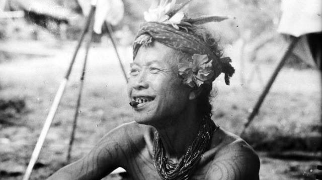 Gigi Runcing Suku Mentawai - Kalimantan