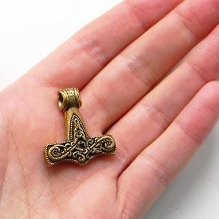 сувениры из латуни и бронзы оптом молот тора кулон купить в симферополе крым