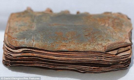 Resultado de imagen de 70 tablillas de metal