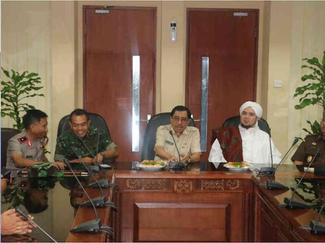 Akhmad Wiyagus Hadiri Silahturahmi Lintas Tokoh Agama Maluku
