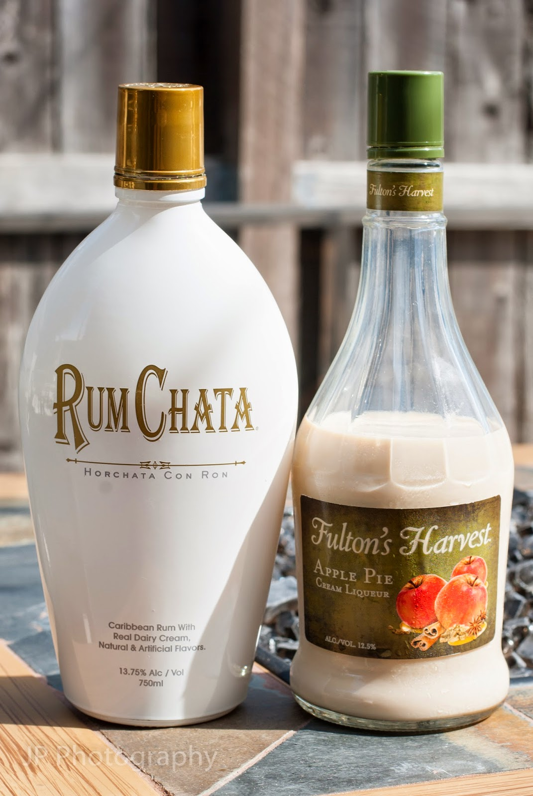 apple pie chata cocktail, apple pie liqueur, rum chata