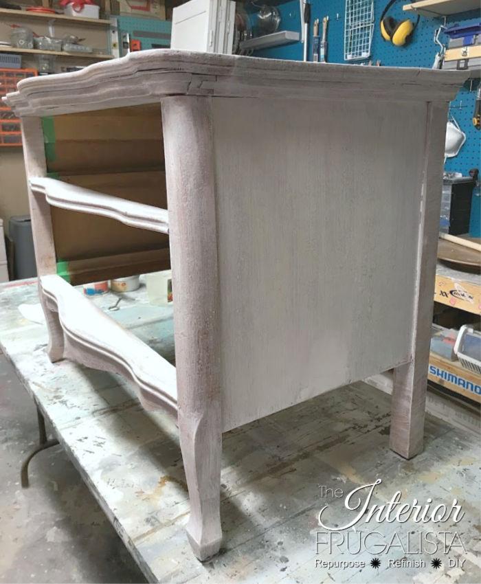 Serpentine Dresser Primed