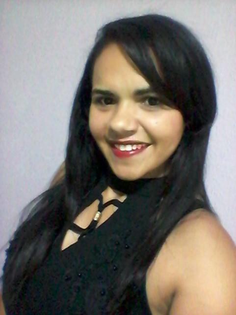 Conheça a Autobiografia da escritora e poetisa  Flaviana Costa  de Santana do Ipanema/AL