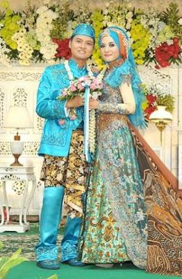 Gaun Pesta Pernikahan Brokat Mewah