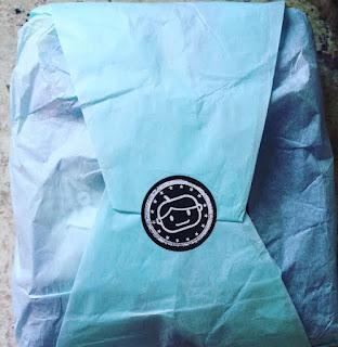 goodie two sleeves packaging