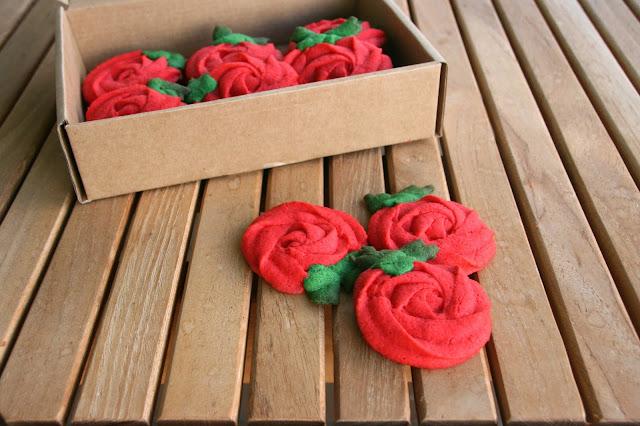 Galletes facils en forma de rosa per sant jordi