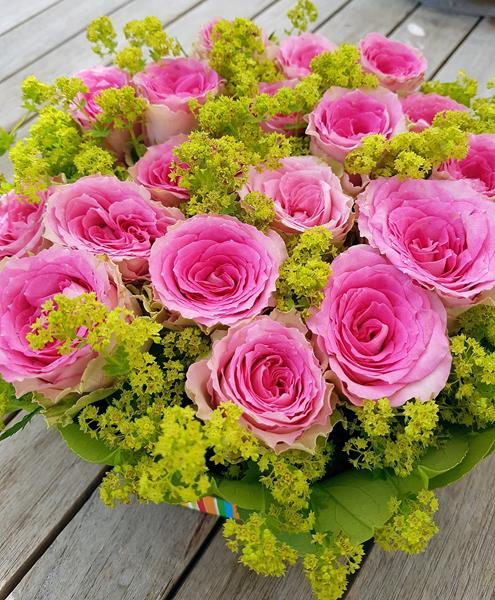 Blumentorte aus Rosen