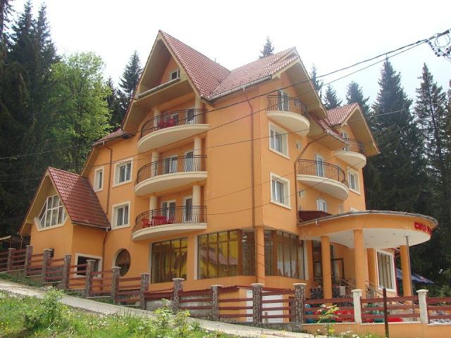 Cazare hotel pensiune la munte - Oferta cazare Pensiunea Cota 1200 Predeal_Brasov_Romania.
