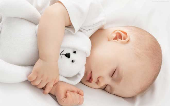 Siasat Mengatur Jam Tidur Bayi