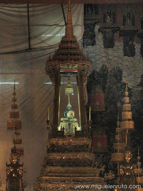 Buda-Esmeralda-Wat-Phra-Kaew