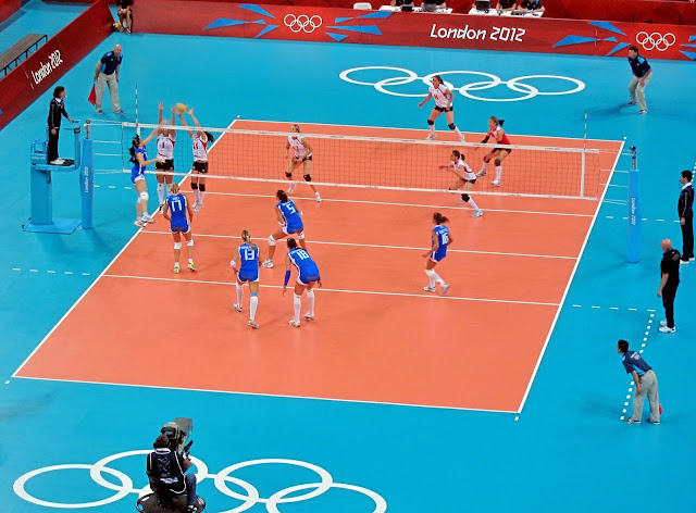 Contoh Lapangan Bola Voli Indoor (Olimpiade London 2012)