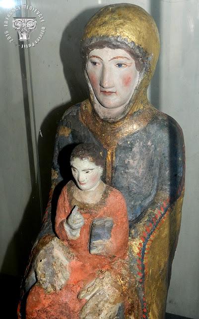 LA GARDE-ADHEMAR (26) - Vierge à l'Enfant romane