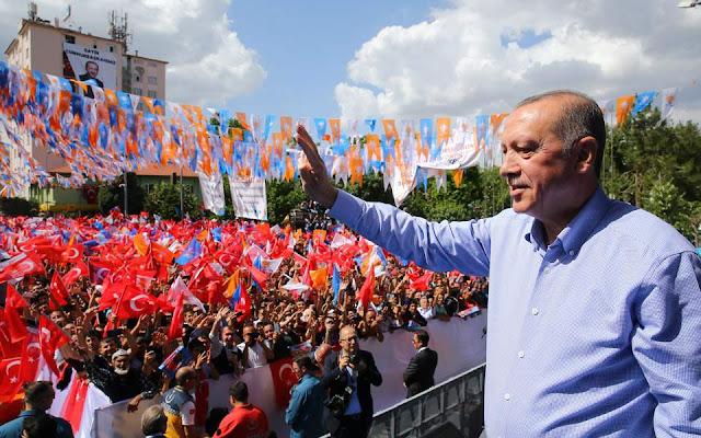 Εκλογές στην Τουρκία: Τι δείχνουν οι δημοσκοπήσεις πριν τις κάλπες