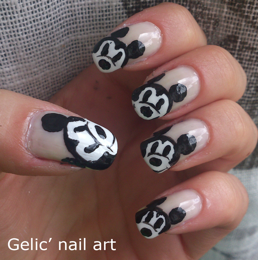Gelic Nail Art Mickey Mouse Funky French Nail Art