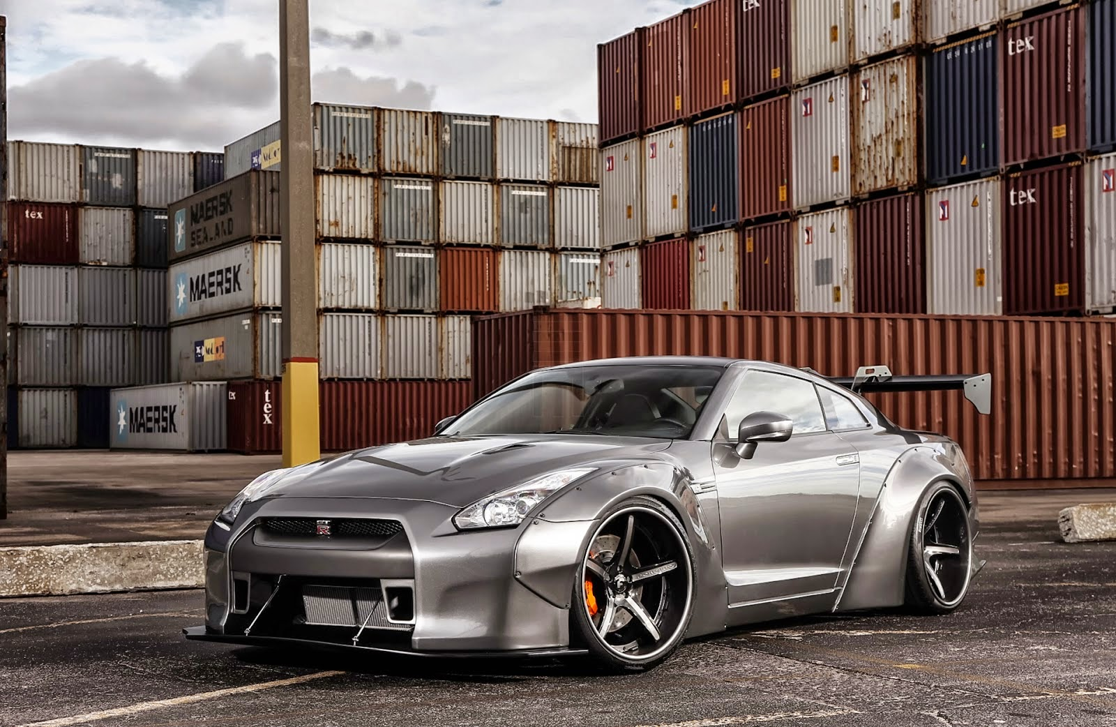 one by news exclusive motoring nissan gt r black edition liberty walk wide body kit on forgiato. Black Bedroom Furniture Sets. Home Design Ideas