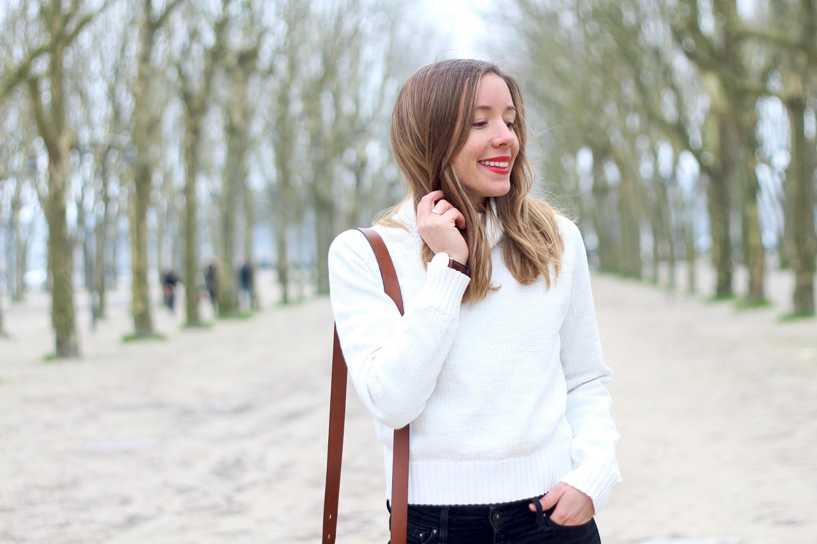 Pull blanc col roulé coton