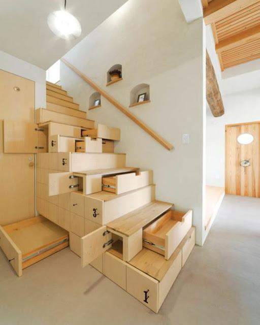 escalier gain de place tiroirs et placards