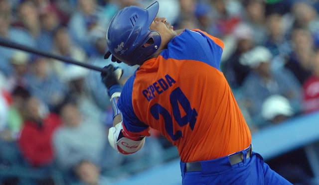 Al momento de entrar en materia beisbolera, los favoritos son los de siempre, Linares, Kindelán, Pacheco; ahora, Gourriel, Abreu, Puig, nadie se acuerda de Cepeda