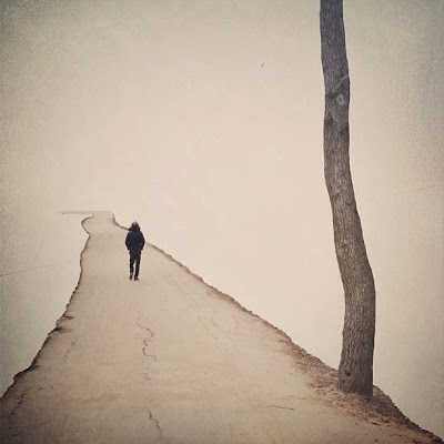 Hãy bước chậm lại