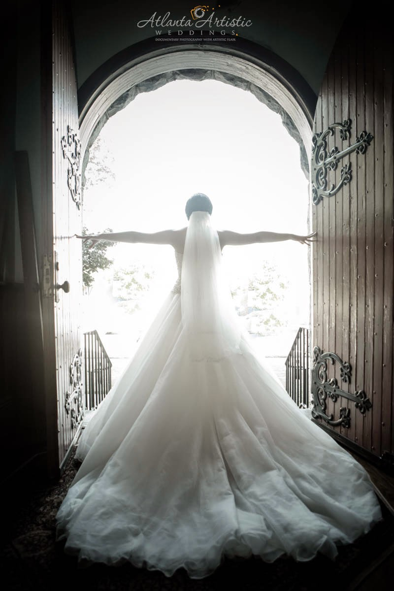 Photo by the Atlanta Wedding Photographers at  www.AtlantaArtisticWeddings.com