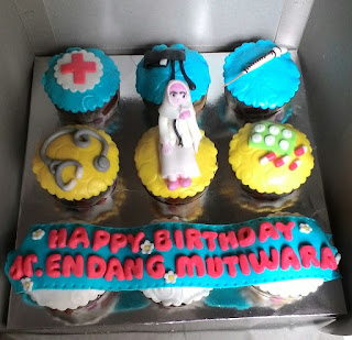 cup cake tema dokter