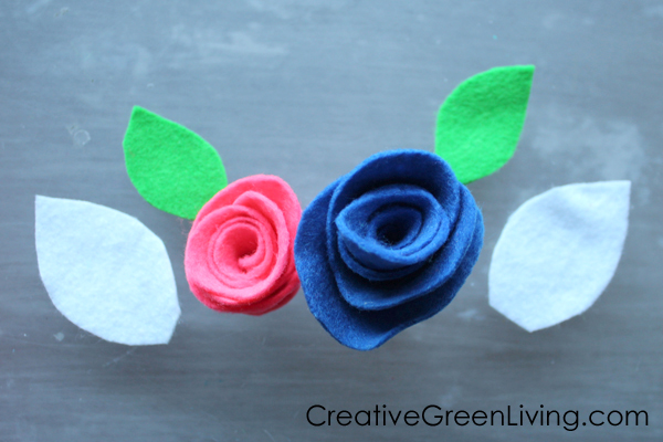 Easy felt flowers made with flower rolling technique
