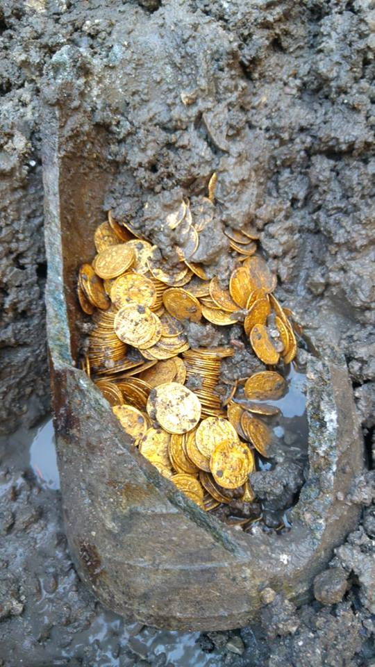 Roman gold coins discovered in Italian theatre