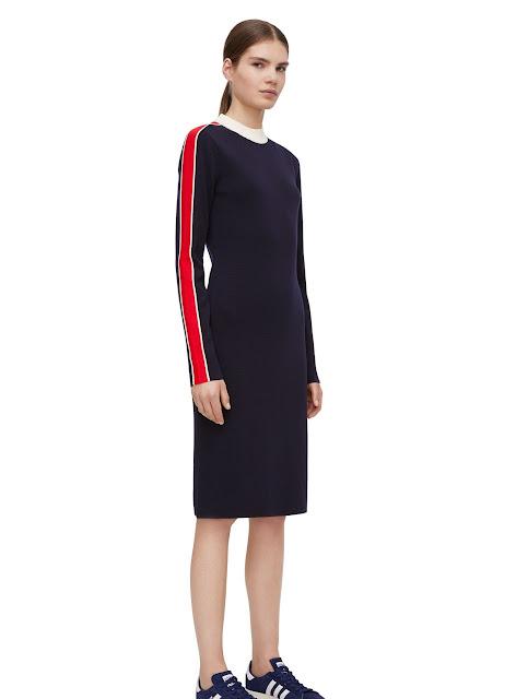 Повсякденна сукня темно-синього кольору з червоними вставками