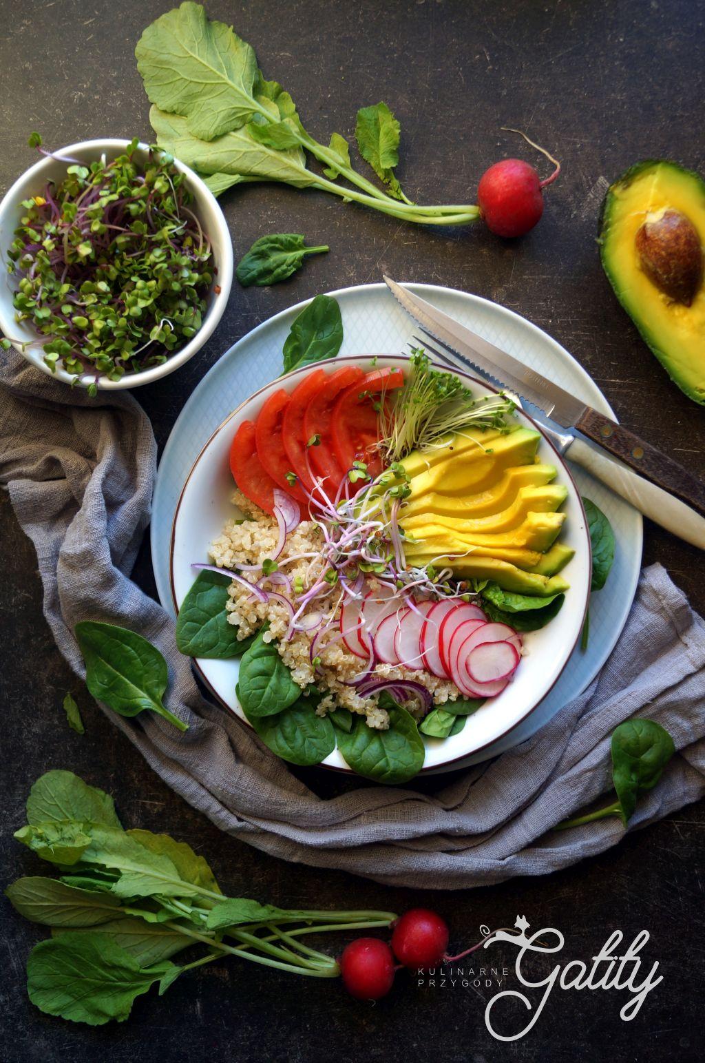 kolorowa-miska-z-warzywami