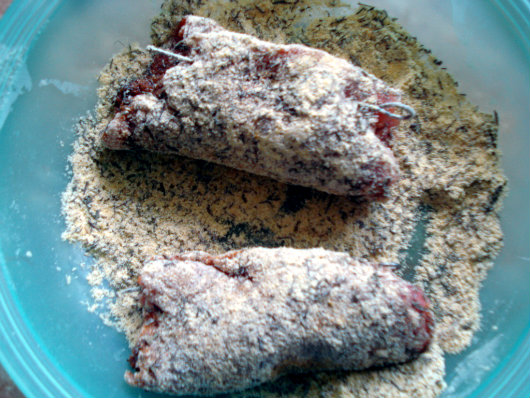 steak rolls covered with corn flour mixture