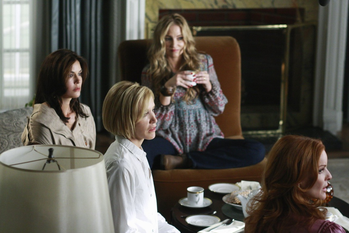 Desperate Housewives - Season 6 Episode 01: Nice Is Different Than Good