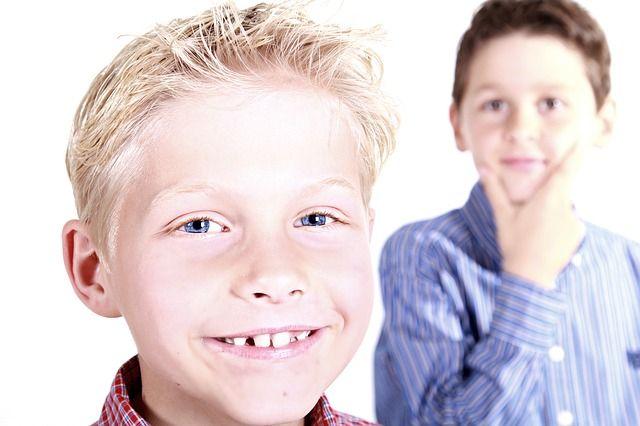 Почему дети часто обманывают своих родителей, и что делать?