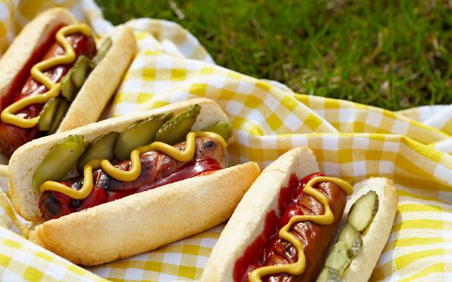 Labor Day recipes cocktail – classic hotdogs
