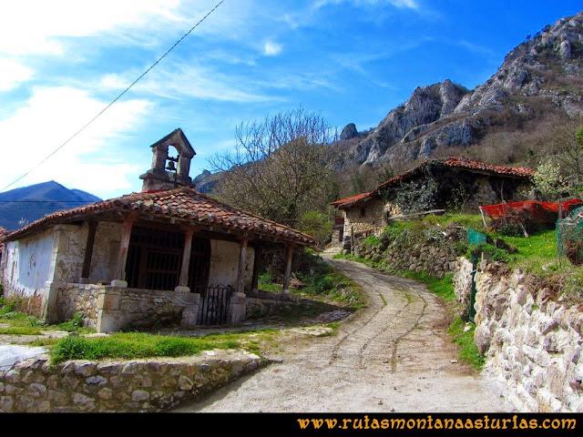 Ruta al Pico Gorrión: Capilla en Toriezo
