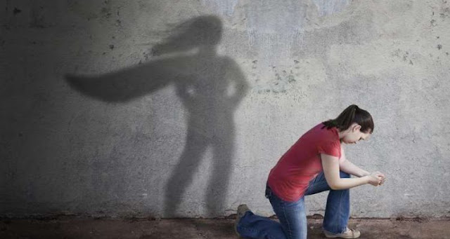 Πώς οι ψυχολογικά δυνατοί άνθρωποι αντιμετωπίζουν την αποτυχία