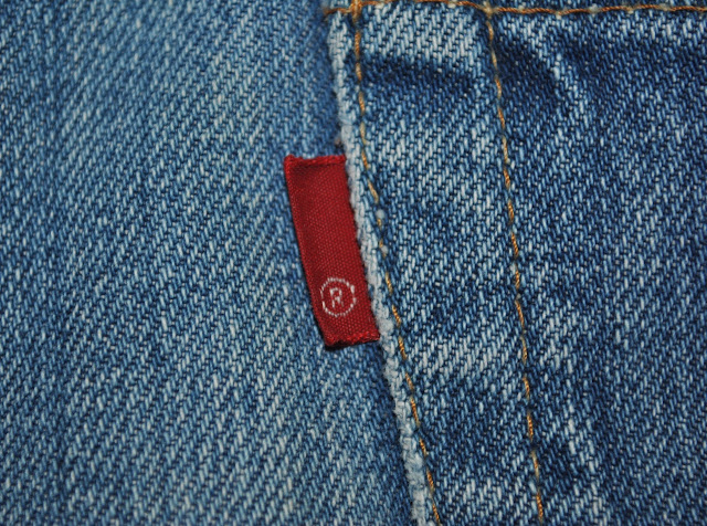 70s Levis Blank Tab has only registered trademark sign without Levi's brand name