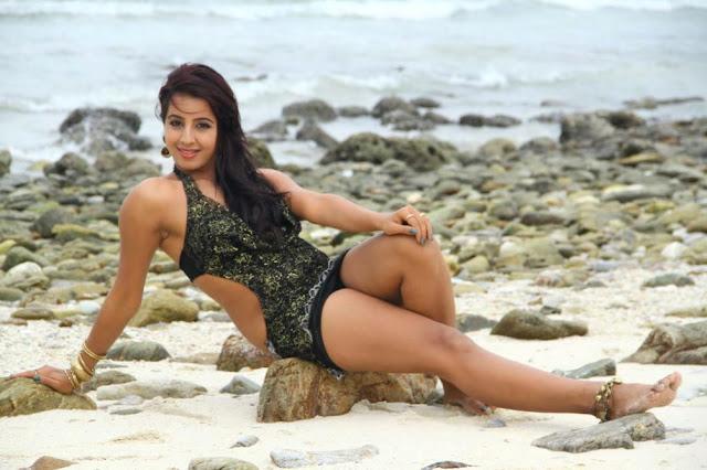 Bollywood Hot Actress In Bikini Bollywood Actress in Bikini Pics 14