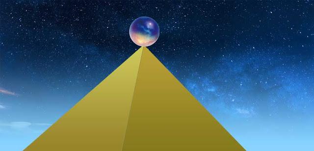 bola diatas piramida