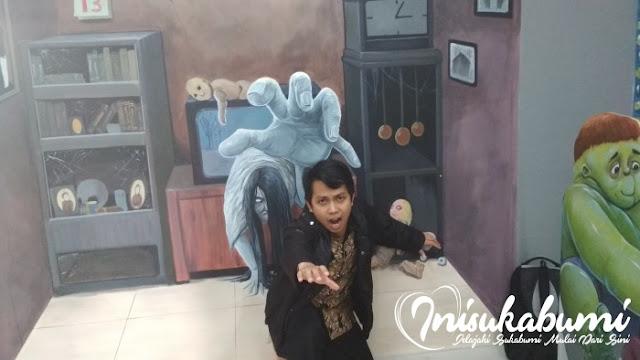 Hantu yang keluar dari televisi, Rumah Fantasi Sukabumi