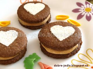 Kakaovo-orechové kolieska s karamelovým krémom - recepty